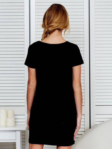 Sukienka bawełniana z napisami czarna                                  zdj.                                  2
