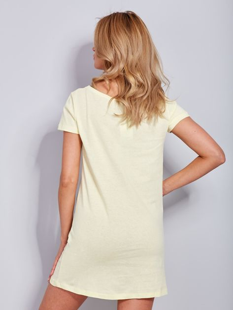 Koszula nocna bawełniana z napisami jasnożółta                              zdj.                              2