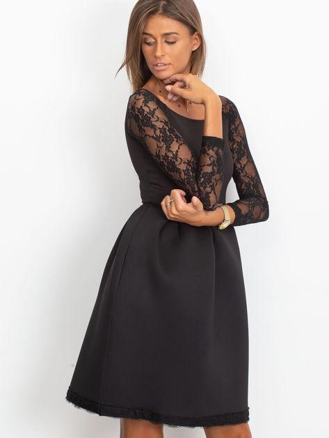 Sukienka czarna z koronkowymi rękawami                              zdj.                              2