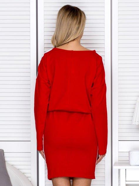 Sukienka damska dresowa z troczkami czerwona                              zdj.                              2