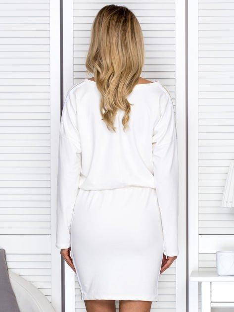 Sukienka damska dresowa z troczkami ecru                              zdj.                              2