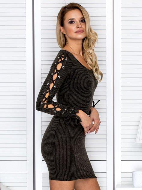 Sukienka damska w prążek ze sznurowaniami khaki                                   zdj.                                  3