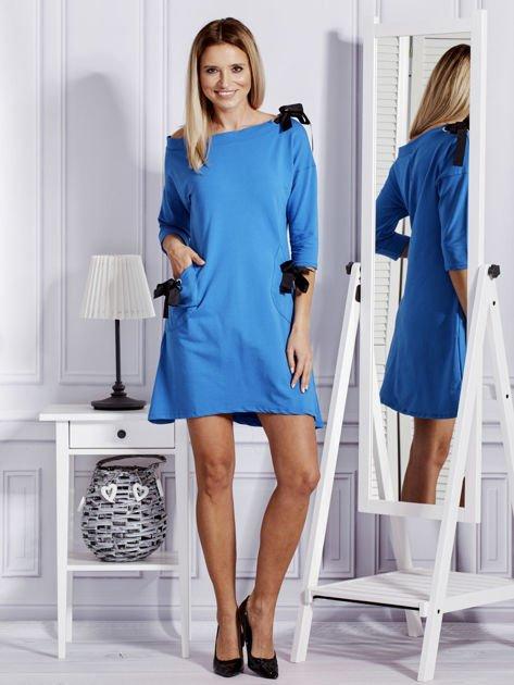 Sukienka damska z kokardami niebieska                              zdj.                              4