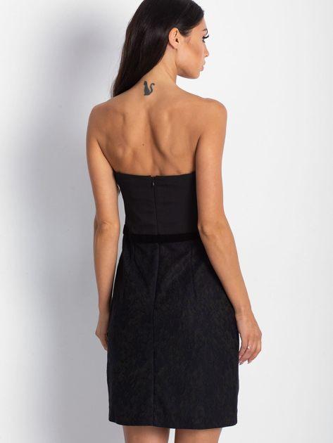 Sukienka damska z koronkowym modułem czarna                              zdj.                              3