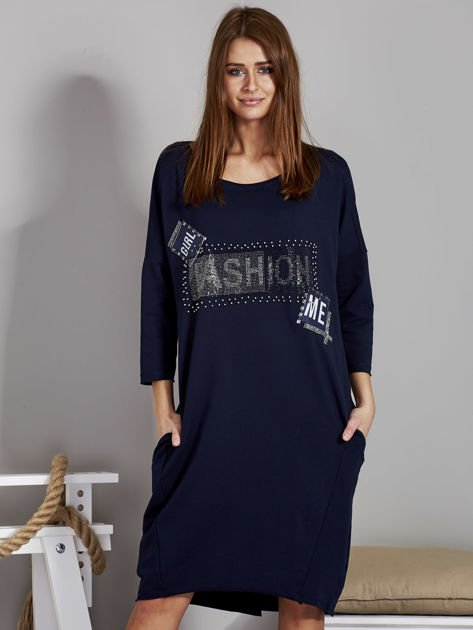 Sukienka damska z napisem z dżetów granatowa                                  zdj.                                  1
