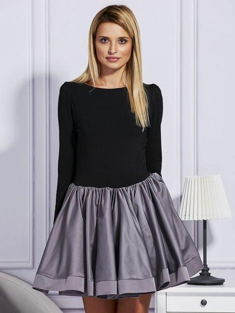 Sukienka damska z rozkloszowaną spódnicą szara                                  zdj.                                  1