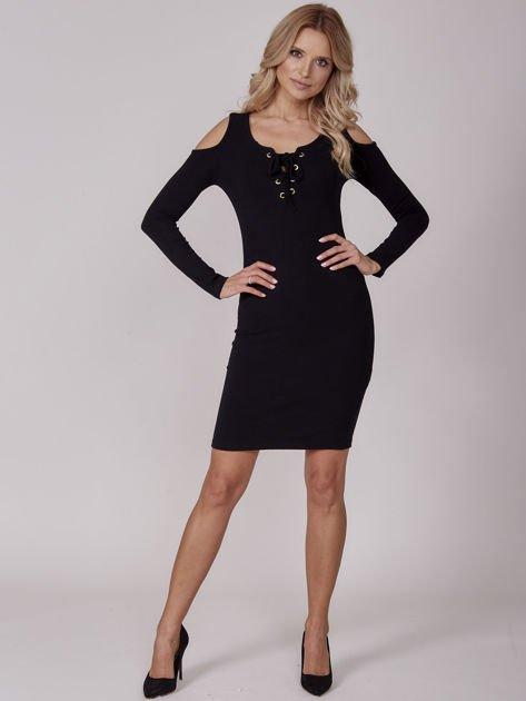 Sukienka damska z wycięciami i dekoltem lace up czarna                              zdj.                              4