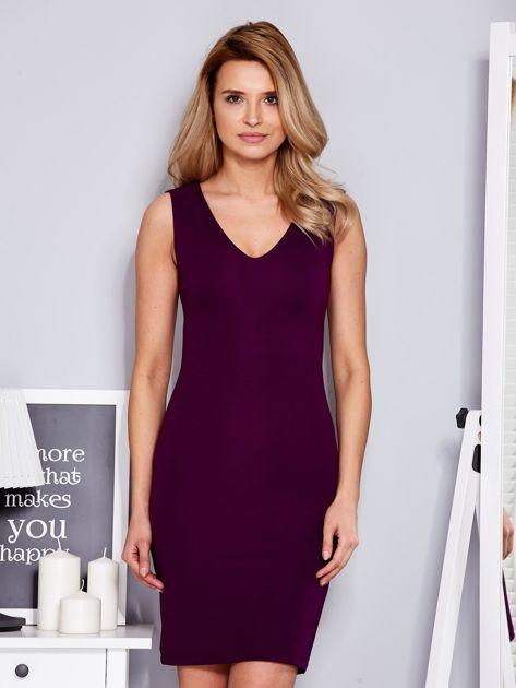 Sukienka fioletowa dopasowana z trójkątnym dekoltem                                  zdj.                                  1