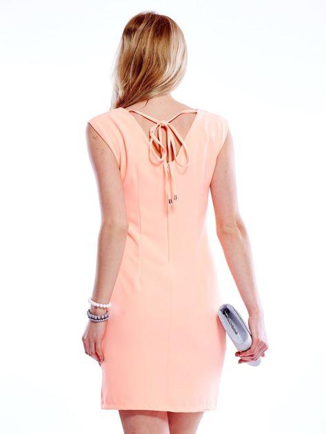 Sukienka fluo pomarańczowa z wiązaniem z tyłu                              zdj.                              2