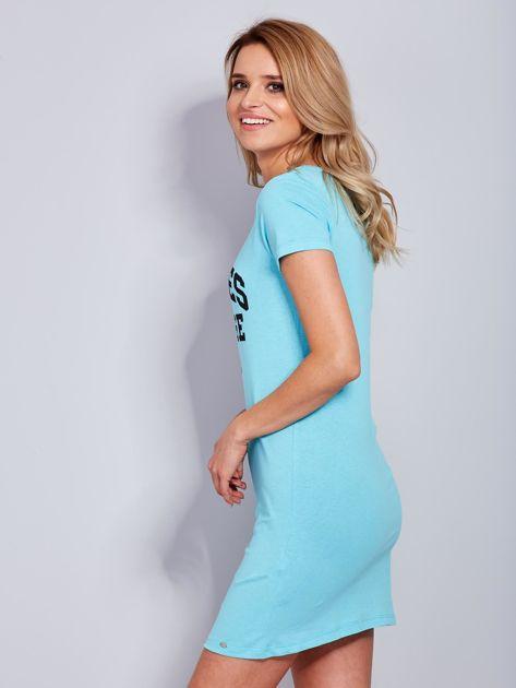 Sukienka jasnoniebieska bawełniana z napisem COLLEGE                              zdj.                              5