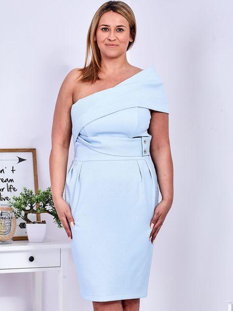 Sukienka jasnoniebieska z delikatnym połyskiem PLUS SIZE                              zdj.                              1