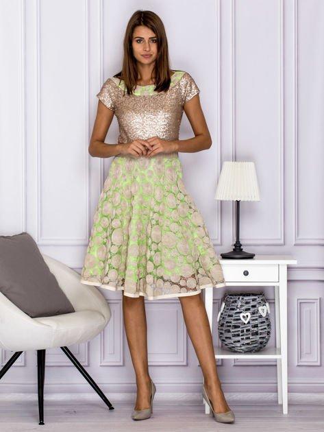 Sukienka koktajlowa z cekinami w geometryczne wzory beżowa                              zdj.                              4