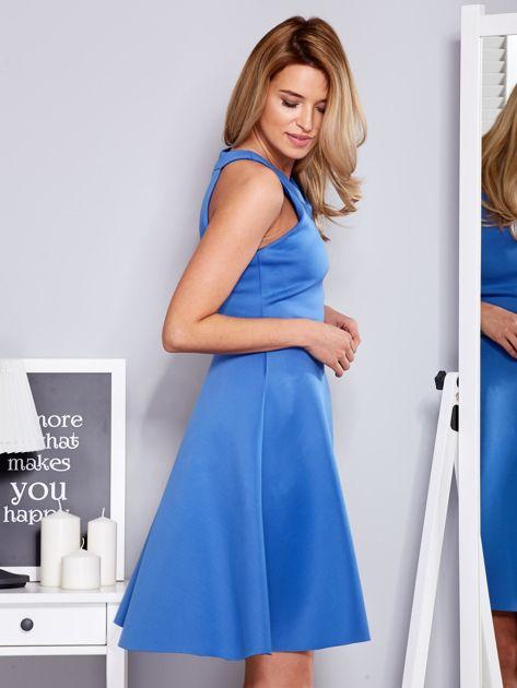 Sukienka niebieska z rozkloszowanym dołem                                  zdj.                                  3