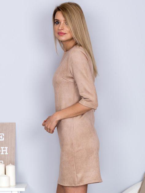 Sukienka o zamszowej fakturze jasnobeżowa                              zdj.                              3