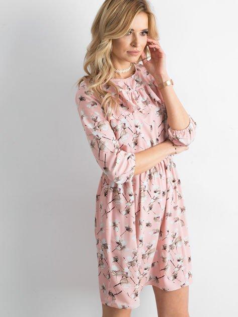 Sukienka różowa we wzory z falbaną                              zdj.                              5