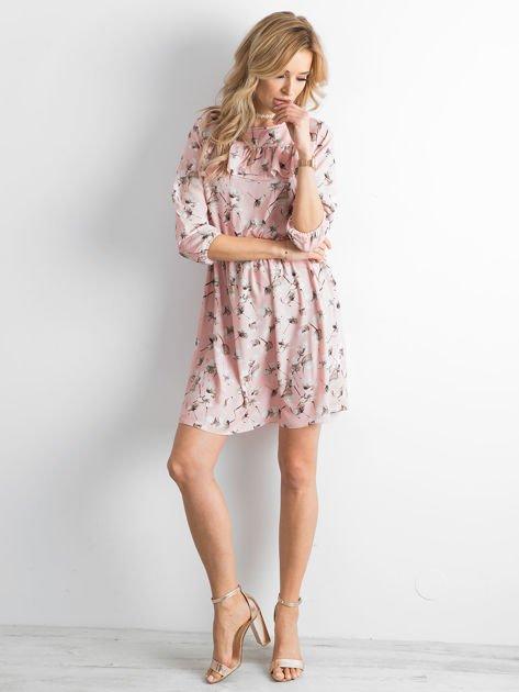 Sukienka różowa we wzory z falbaną                              zdj.                              6