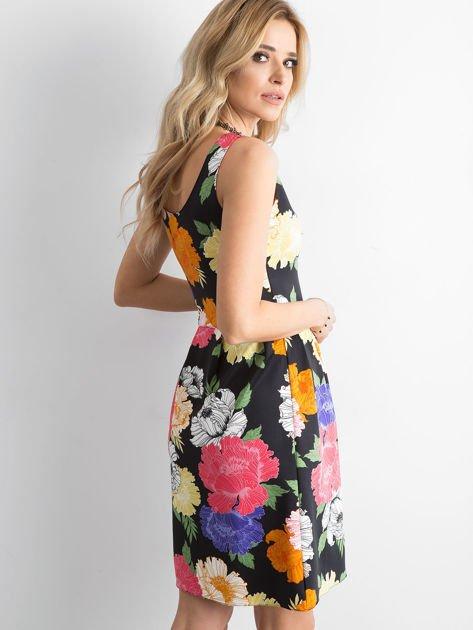 Sukienka w duże kolorowe kwiaty                                  zdj.                                  3