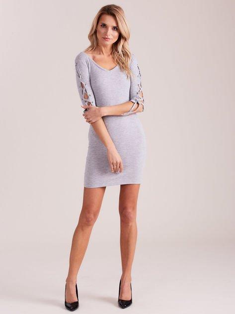 Sukienka w szeroki prążek z rękawami lace up jasnoszara                              zdj.                              4
