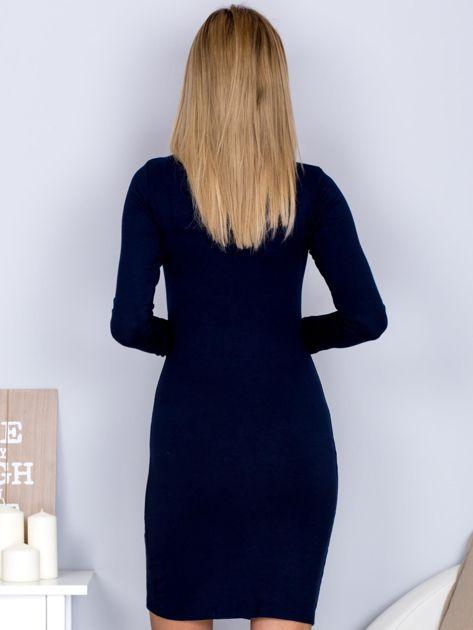 Sukienka z ozdobnym sznurowaniem granatowa                                  zdj.                                  2
