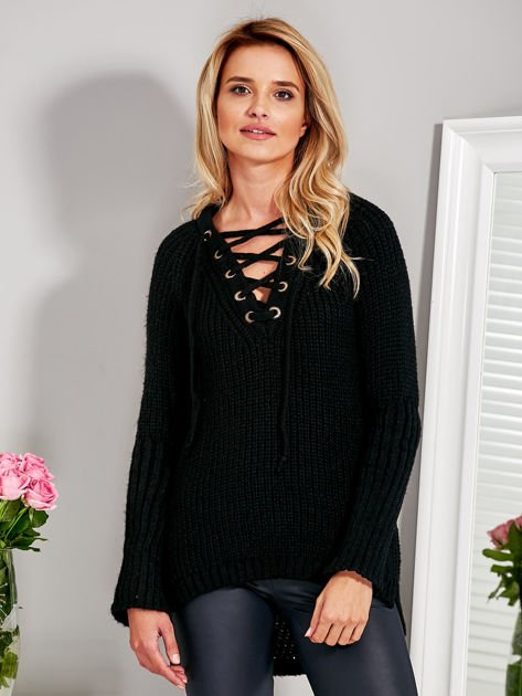 Sweter V-neck lace up czarny                              zdj.                              1