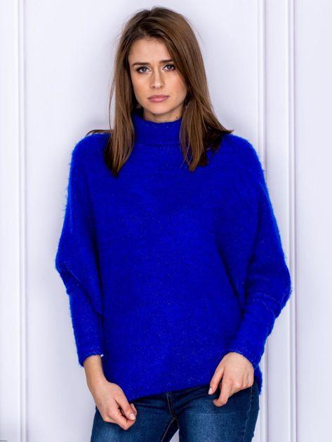 Sweter kobaltowy z dłuższym włosem                                  zdj.                                  1