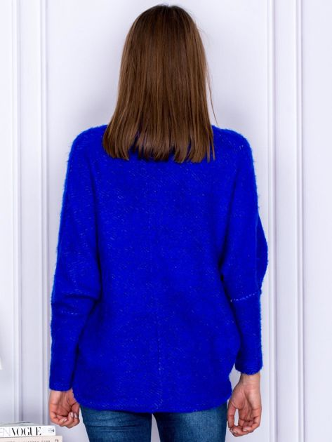 Sweter kobaltowy z dłuższym włosem                              zdj.                              2