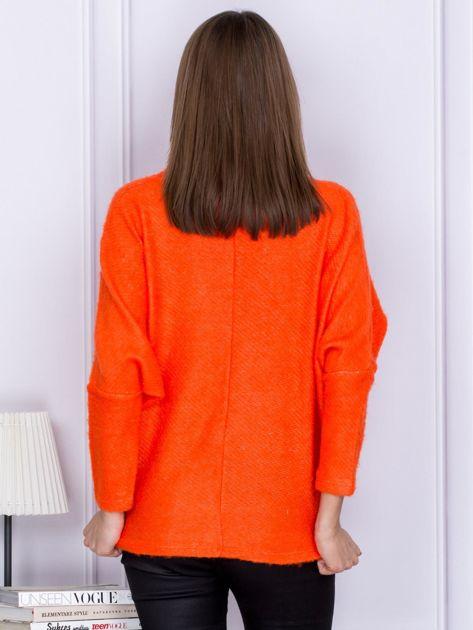 Sweter pomarańczowy z dłuższym włosem                              zdj.                              2