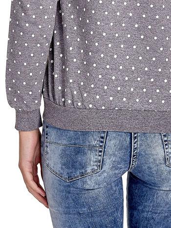 Szara bluza w kropki z napisem LONDON                                  zdj.                                  6
