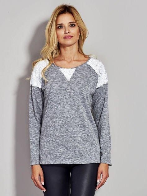 Szara bluza z cekinowymi wstawkami