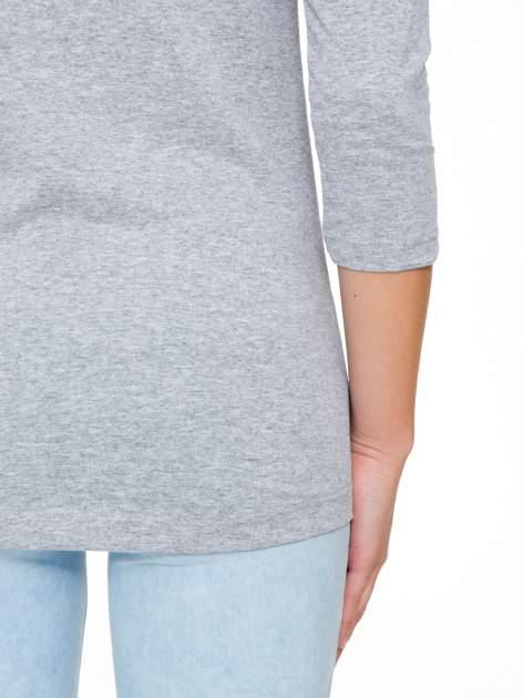 Szara bluzka z nadrukiem kobiety i napisem UNIQUE                                  zdj.                                  9
