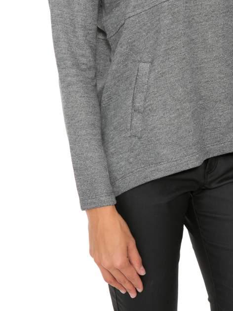 Szara dresowa bluza oversize z kieszeniami                                  zdj.                                  6