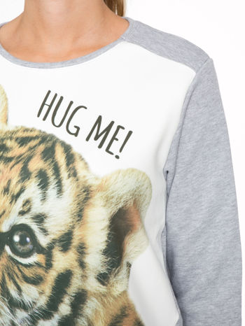 Szara dresowa bluza z nadrukiem tygryska i napisem HUG ME!                                  zdj.                                  6