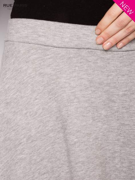 Szara dresowa spódnica midi                                  zdj.                                  4
