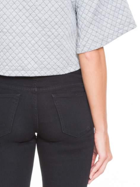 Szara kraciasta bluzka z kloszowanymi rękawami i półgolfem                                  zdj.                                  8