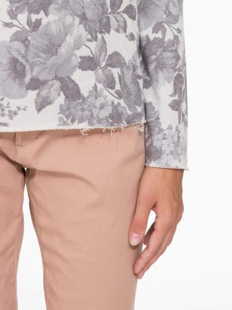 Szara kwiatowa bluza z napisem VOILÀ przeplatana błyszczącą nicią                                  zdj.                                  8