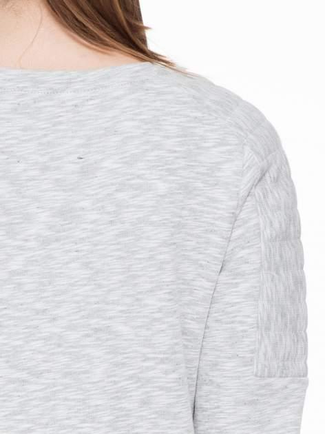 Szara melanżowa bluza z nadrukiem litery A                                  zdj.                                  5