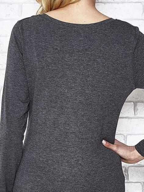 Szara melanżowa bluzka sportowa z dekoltem U PLUS SIZE                                  zdj.                                  7
