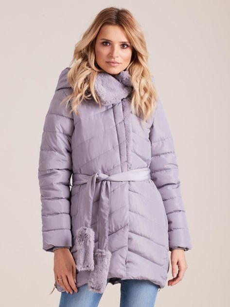 Szara pikowana kurtka zimowa z futerkiem                              zdj.                              1