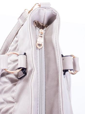 Szara pikowana torba na ramię                                  zdj.                                  8