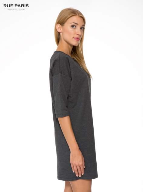 Szara prosta sukienka z zamkiem z tyłu                                  zdj.                                  3