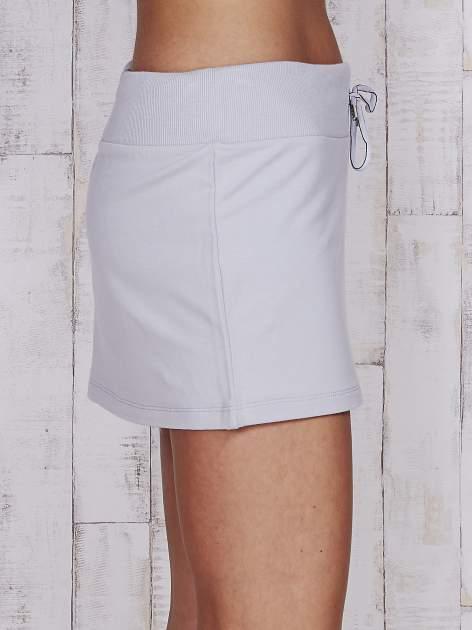 Szara spódnica ze srebrnym nadrukiem                                  zdj.                                  5