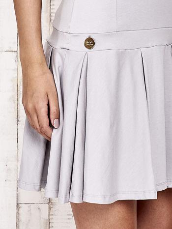 Szara sukienka dresowa z kokardami z tyłu                                  zdj.                                  5