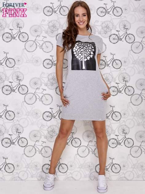 Szara sukienka dresowa ze srebrnym printem drzewa                                  zdj.                                  2