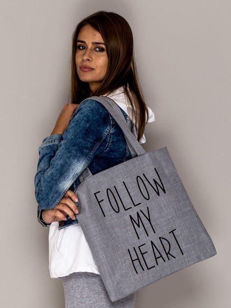 Szara torba materiałowa FOLLOW MY HEART                              zdj.                              2