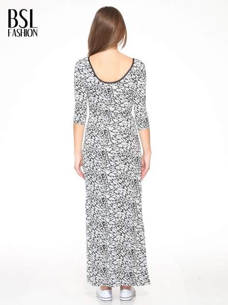 Szara wzorzysta sukienka maxi z rękawem 3/4                                  zdj.                                  4
