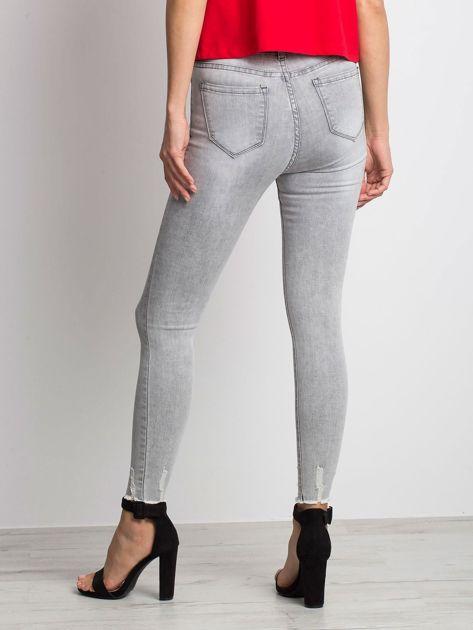 Szare jeansy Formula                              zdj.                              2