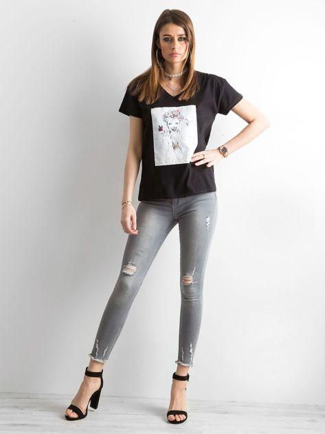 Szare jeansy high waist z przetarciami                              zdj.                              4