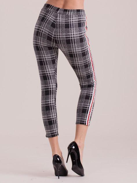 Szare spodnie w kratkę z lampasem                              zdj.                              2