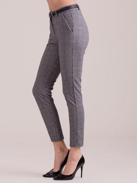 Szare spodnie w kratkę z paskiem                              zdj.                              3