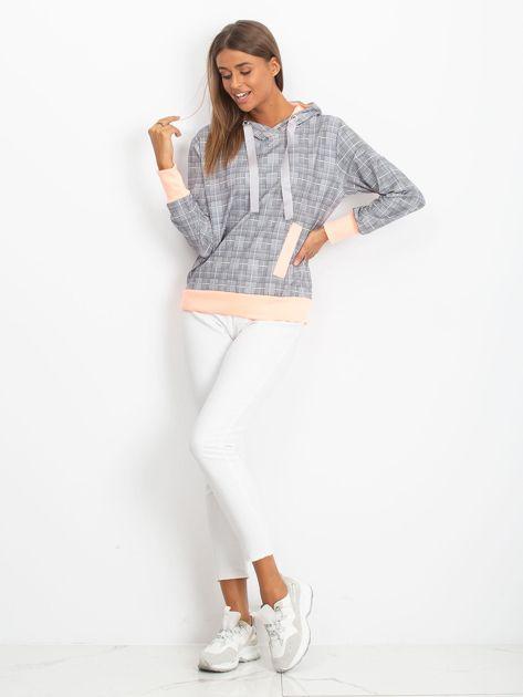 Szaro-brzoskwiniowa lekka bluza w kratkę z kapturem i troczkami                              zdj.                              4